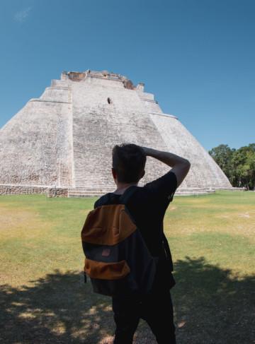 https://yucatan.travel/wp-content/uploads/2019/11/FOTO-UXMAL-TMEPLO-DEL-ADIVINO-360x487.jpg