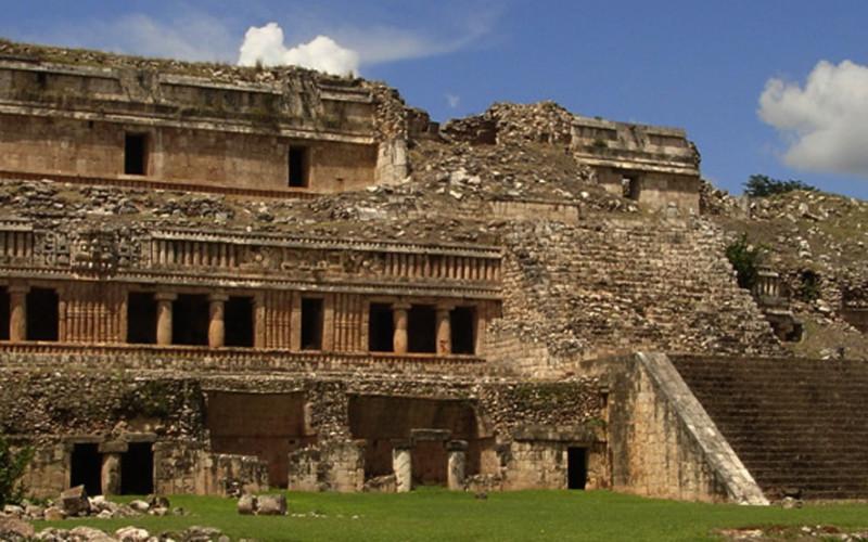 https://yucatan.travel/wp-content/uploads/2019/11/Sayil1-800x500.jpg