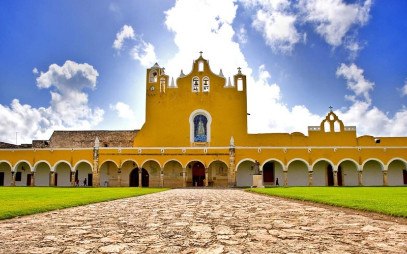 https://yucatan.travel/wp-content/uploads/2019/12/8293_VM_yucatan_izamal_001_0-800x500.jpg
