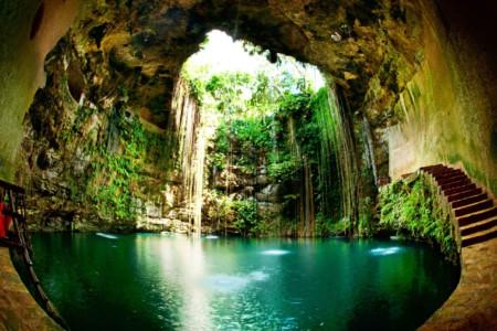 https://yucatan.travel/wp-content/uploads/2019/12/Cenote-Ik-Kil-Capital-Mundo-Maya-Yucatán-Regiones-450x300.jpg
