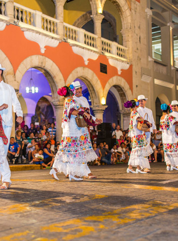 https://yucatan.travel/wp-content/uploads/2019/12/Mérida-CentrodeMérida-Yucatán-Regiones-360x487.jpg