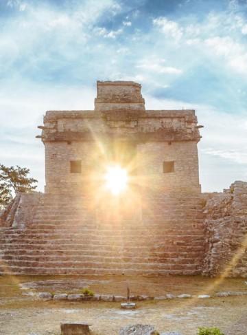 https://yucatan.travel/wp-content/uploads/2019/12/Merida-Dzibilchaltun-CasaMuñecas-Yucatan-Regiones-360x487.jpg