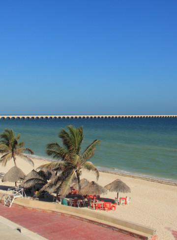 https://yucatan.travel/wp-content/uploads/2019/12/Progreso-MALECON-1346-2-360x487.jpg