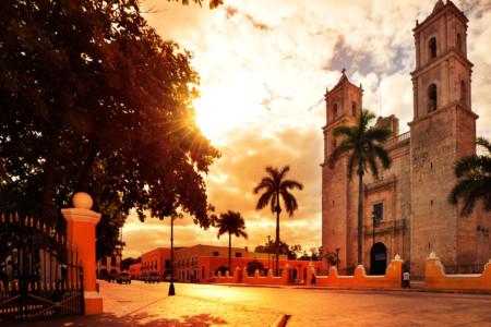 https://yucatan.travel/wp-content/uploads/2019/12/Valladolid-Capital-Mundo-Maya-Yucatán-Regiones-450x300.jpg