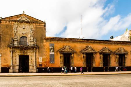 https://yucatan.travel/wp-content/uploads/2019/12/Yucatan-Casa-de-Montejo-0125-450x300.jpg