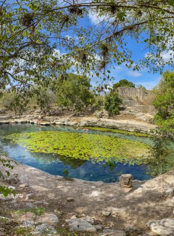 https://yucatan.travel/wp-content/uploads/2020/03/Cenote-Xlacah-Dzibilchaltún-2-360x487.jpg