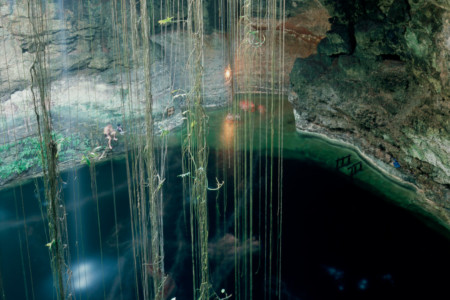 https://yucatan.travel/wp-content/uploads/2020/03/Pisté-Cenote-IkKil05-450x300.jpg