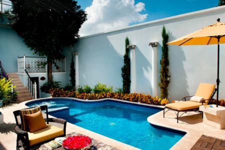 https://yucatan.travel/wp-content/uploads/2020/06/CasaAzul7-450x300.jpg